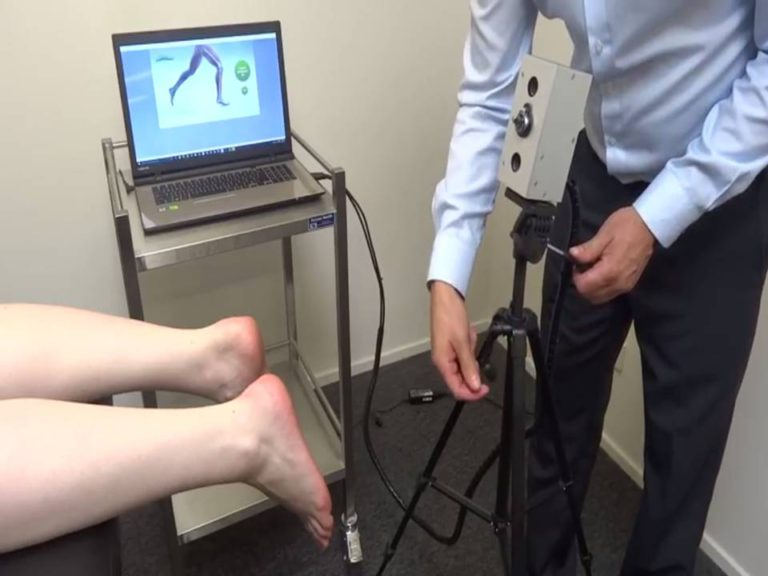 Custom Insoles - Podiatrist 3D Scanning - The Sole Clinic